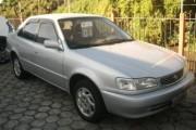 Vende-se Corola XEi 1,8 automatico, ano 2001, prata