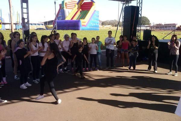Grupo Let's Dance - 04