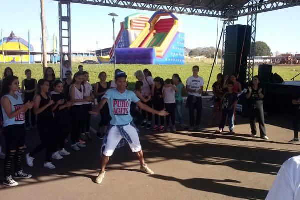 Grupo Let's Dance - 05