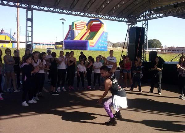 Grupo Let's Dance - 06